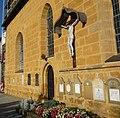 Kreuz an der Martinskirche - panoramio.jpg
