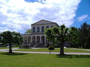 Großer Kursaal mit Denkmal König Ludwig I.