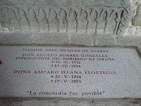 Lápida de los duques de Suárez.jpg