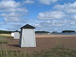 Långsanda beach in Hanko.jpg