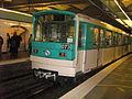 La 073 à Saint-Lazare sur la ligne 3 en direction de Pont de Levallois-Bécon.jpg