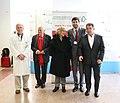 La alcaldesa y el cocinero Martín Berasatégui, en una conferencia a beneficio de Mensajeros de la Paz 08.jpg