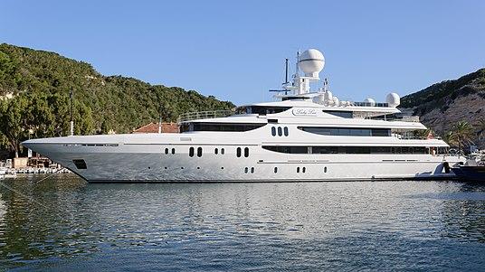 Lady Lau super-yacht IMO 1010674 Bonifacio