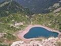 Lago di Erdemolo dal passo del lago - panoramio.jpg