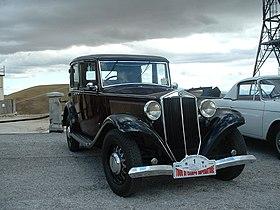 https://upload.wikimedia.org/wikipedia/commons/thumb/1/1e/Lancia_Augusta%2C_1935.JPG/280px-Lancia_Augusta%2C_1935.JPG