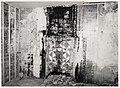 Langestraat 1, hoek Mient. Interieur kelder. Restanten van een tegelschouw (schoorsteenmantel). Rijk - RAA011003764 - RAA Elsinga.jpg