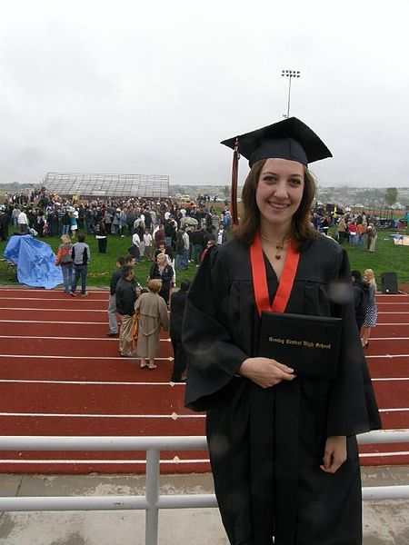File:Laurie at Graduation.jpg