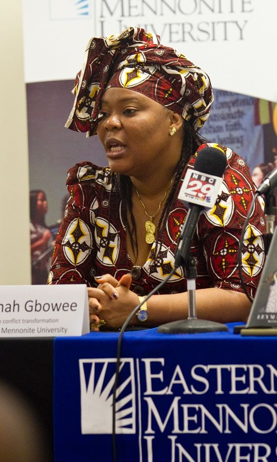 File:Leymah-gbowee-at-emu-press-conference.jpg