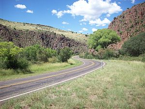 Texas State Highway 17 - Image: Limpia Canyon SH17 2