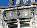 Lisle Château haut fenêtre décor.JPG