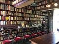 Literaire Bibliotheek Oosterhouw - kast met geheime deur - juli 2020.jpg