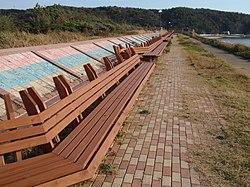 La plej longa benko en la mondo en Masuho Beach