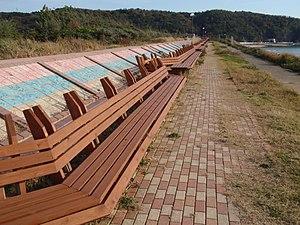 Shika, Ishikawa - The longest bench in the world at Masuho Beach