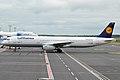Lufthansa, D-AISU, Airbus A321-231 (16271031927).jpg