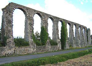 Aqueduct of Luynes - Luynes Aqueduct
