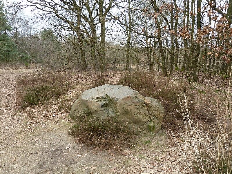 De derde steen van de groep stenen op de Mechelse Heide, Maasmechelen, Limburg, België