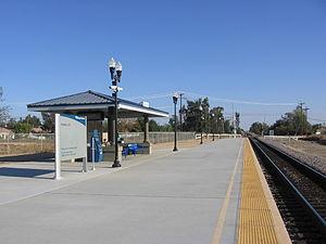Madera station (Amtrak) - Madera station passenger platform