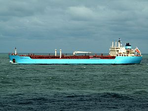 Maersk Rosyth p2 leaving Port of Rotterdam, Holland 10-Aug-2005.jpg