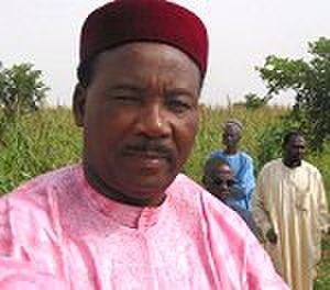 Nigerien Party for Democracy and Socialism - Mahamadou Issoufou speaking to the press during his 2004 election campaign.