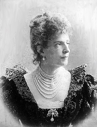 Maria Pia of Savoy - Maria Pia as Dowager Queen