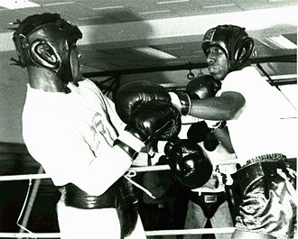 Charles Brown (boxer) - Brown in 1964 (on the right)