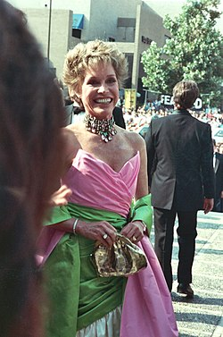 Mary Tyler Moore in August 1988.jpg