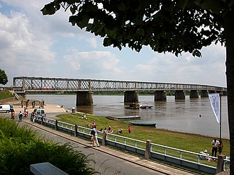 Mauves-sur-Loire - The Mauves Bridge seen from the north bank of the Loire
