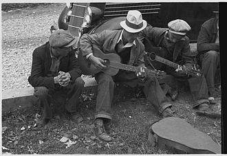 Appalachian music - Street musicians in Maynardville, Tennessee, photographed by Ben Shahn in 1935
