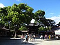 Meiji Shrine entrance.jpg