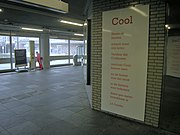 Gedicht Jules Deelder op metrostation Coolhaven.