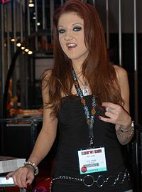 Mia Rose at AEE 2007 Wednesday.jpg