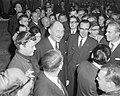 Minister Luns (Buitenlandse Zaken) in het midden, Bestanddeelnr 915-1615.jpg
