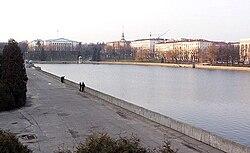 http://upload.wikimedia.org/wikipedia/commons/thumb/1/1e/Minsk_svisloch.jpg/250px-Minsk_svisloch.jpg