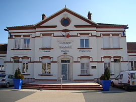 The town hall in Mirandol-Bourgnounac