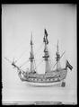 Modell av ett örlogsskepp - Livrustkammaren - 18027.tif