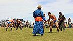 Mongolskie zapasy na lokalnym festiwalu Naadam (24).jpg
