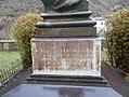 Monumento a Giovanni Pastorelli particolare.jpg