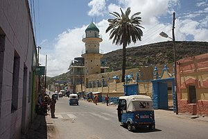 A mosque and a tuk tuk in Dire Dawa