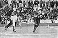 NK schaatsen in Alkmaar, Hein Vergeer met links coach Henk Gemser tijdens de 10 , Bestanddeelnr 933-2243.jpg