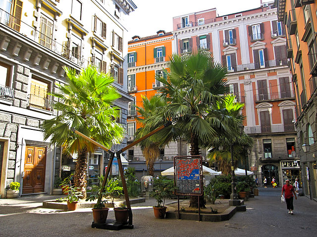 Placette Duca d'Aosta à Naples. Photo d'Armando Mancini.