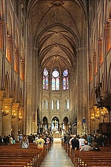 Nave of Notre-Dame de Paris, 22 June 2014 002.jpg