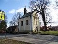 Neratovice, kostel svatého Vojtěcha, přes silnici.jpg
