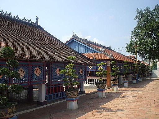 Nhà Lớn Long Sơn 1