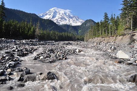 Nisqually River near Cougar Rock 01.jpg