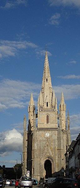 Basilique Notre Dame de Paradis à Hennebont.