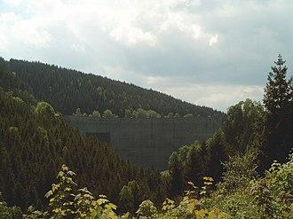 Oker Dam - Image: Okertalsperre staumauer talseite