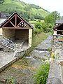 Osse-en-Aspe (Pyr-Atl, Fr) Lavoir sur l'Arricq.JPG