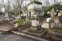 Père-Lachaise - Division 28 - Pourailly 08.jpg