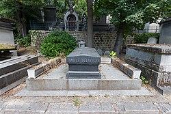 Tomb of Delavigne