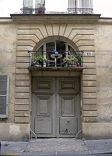 Eingangsbereich №.8 Rue Royale Saint Roch (heute Rue des Moulins) (Quelle: Wikimedia)